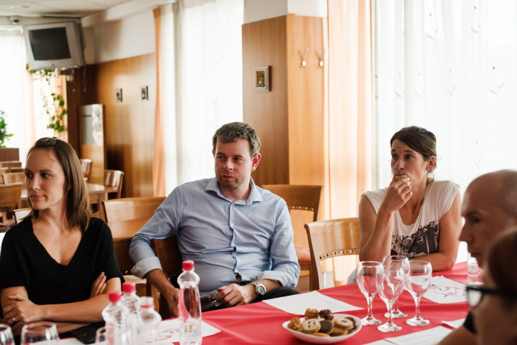 od leve: Neža Majdič, Andrej Eržen, Katja Zibelnik